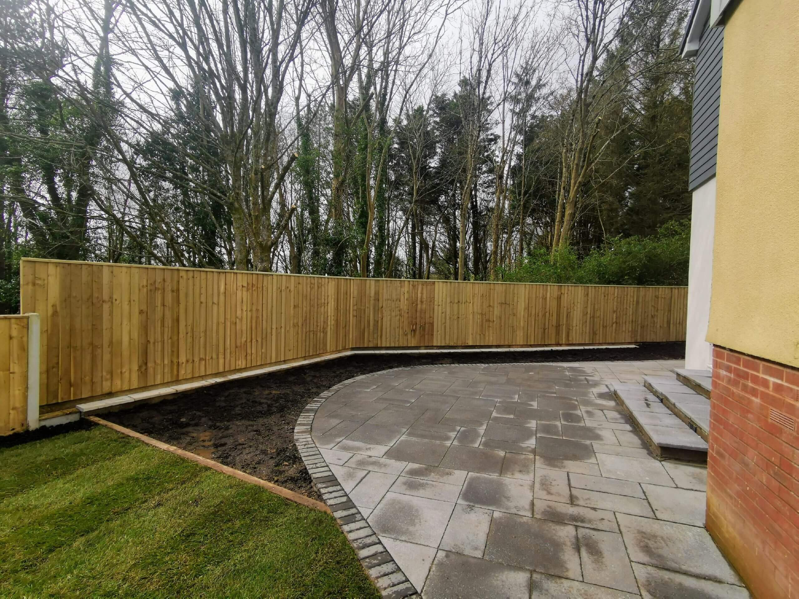 Fencing Contractor in Plymouth - Curved Feather Edge Fencing - Jackson Garden Services